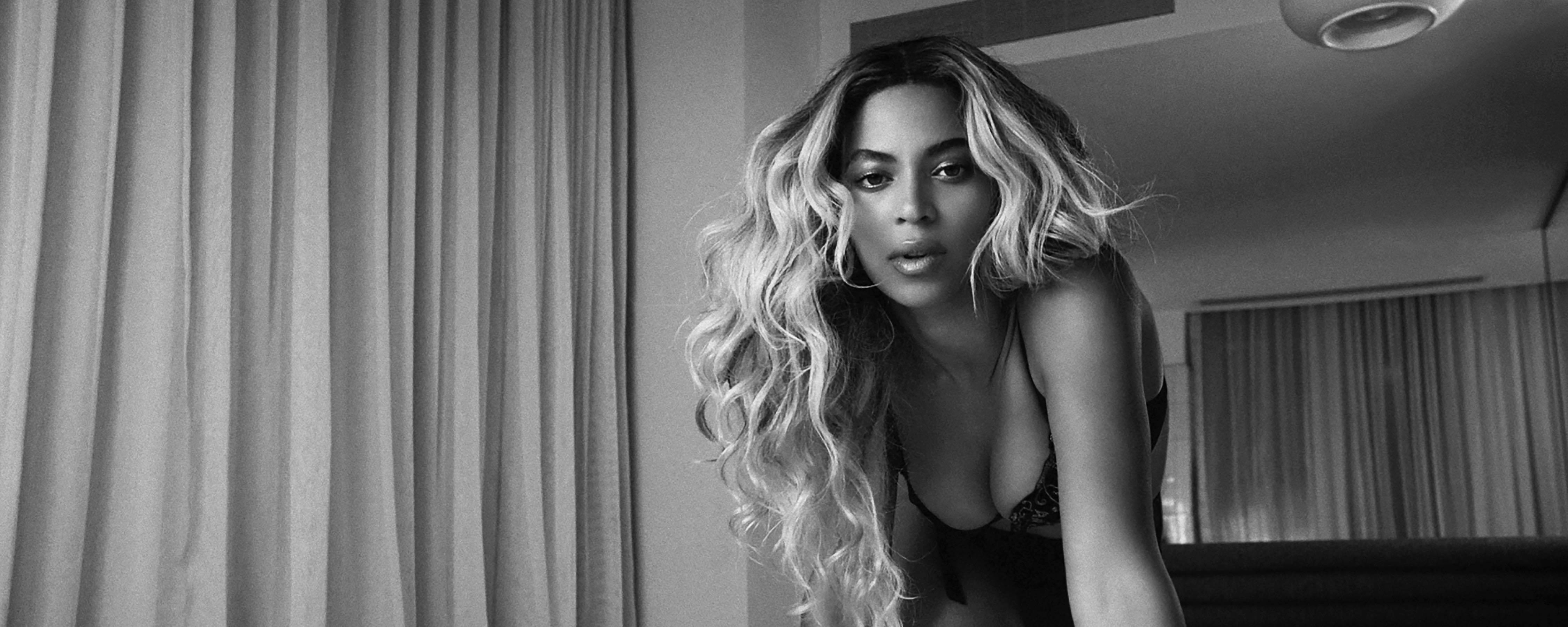 beyoncé teases us with new tracks