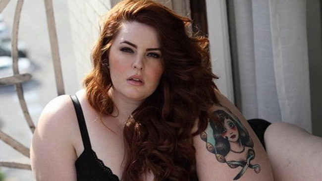 plus size model tess munster of #effyourbeautystandards wins big