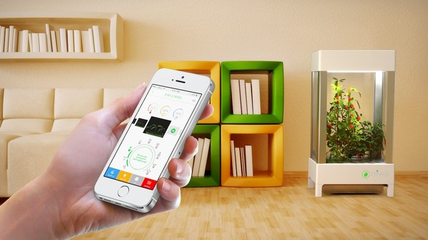 The $200 Hydroponic Greenhouse You Control With a Smartphone