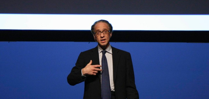 Ray Kurzweil Says We'll Be 3D Printing Our Clothes in Less Than 10 Years