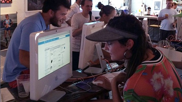 Of Course This Web-Surfing Contest Took Place at a Beachside Surf Bar