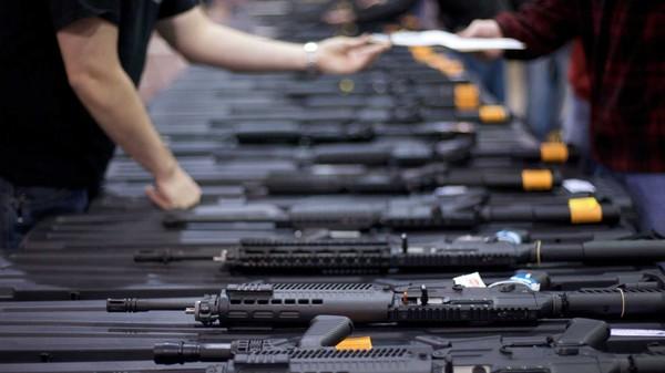 We financieren de wapenindustrie met virtuele wapens in videogames