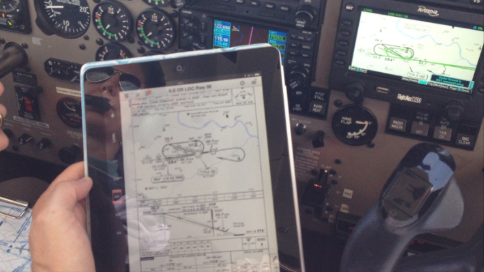 Pilots Love These Navigation Apps  Too Bad They Can Be Hacked - VICE