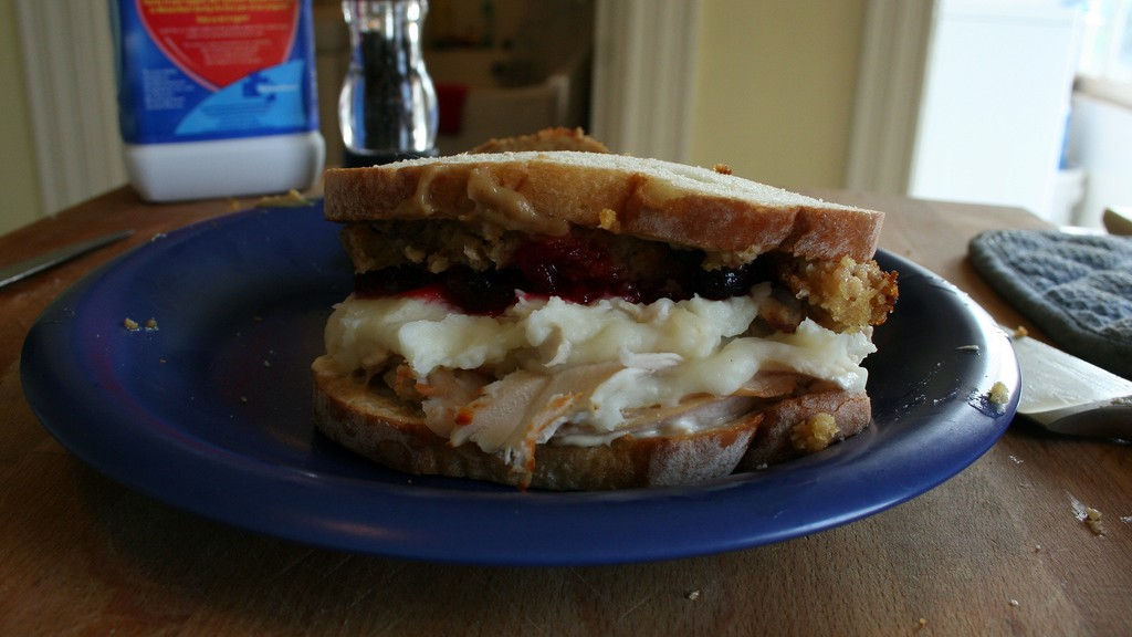 The Scientifically-Proven Recipe for the Perfect Thanksgiving Leftovers Sandwich