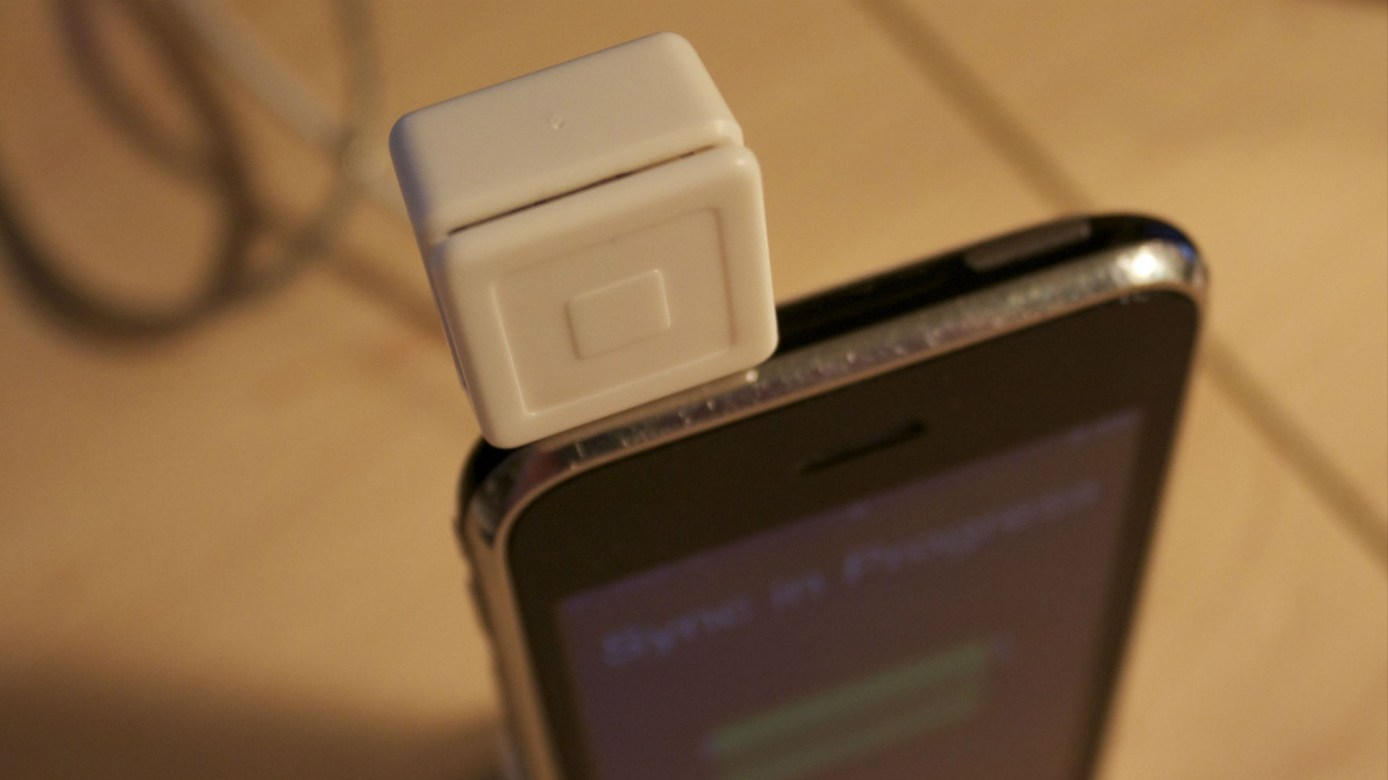 Researchers Turn Square Reader Into Credit Card Skimmer in