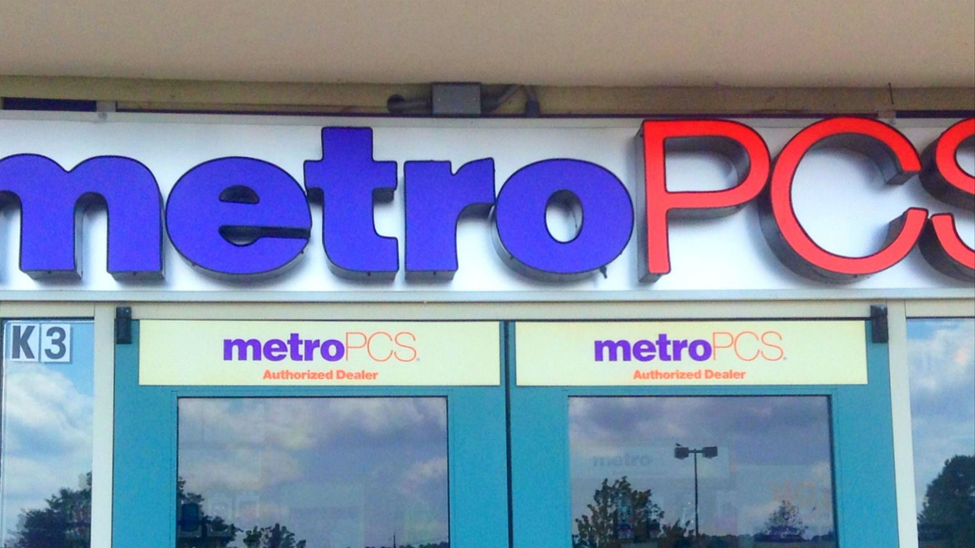 Nasty' Bug In MetroPCS Site Left Personal Data of