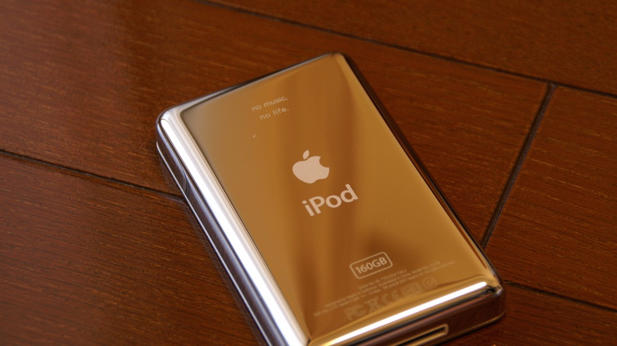 Music Geeks Are Retrofitting Old iPods to Keep the Perfect
