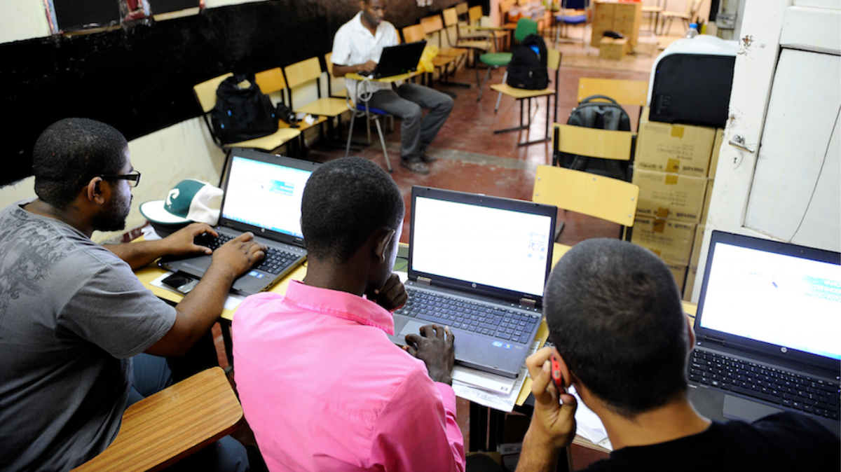 Angola's Wikipedia Pirates Are Exposing the Problems With Digital Colonialism | Motherboard