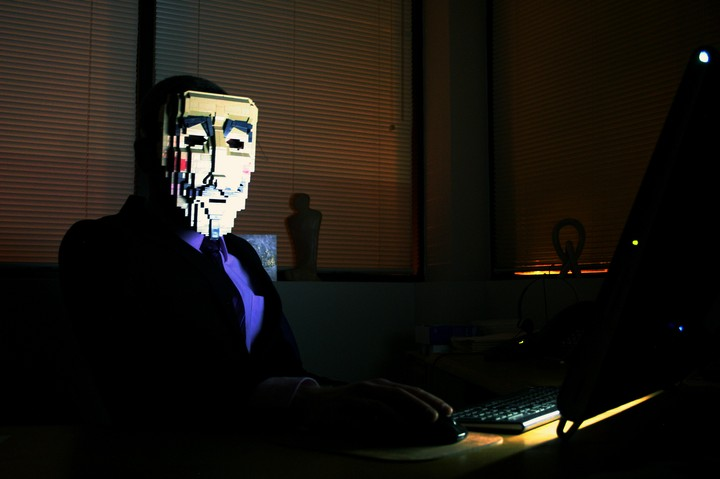 Even Fake Hackers Can Make A Lot of Money on the Internet