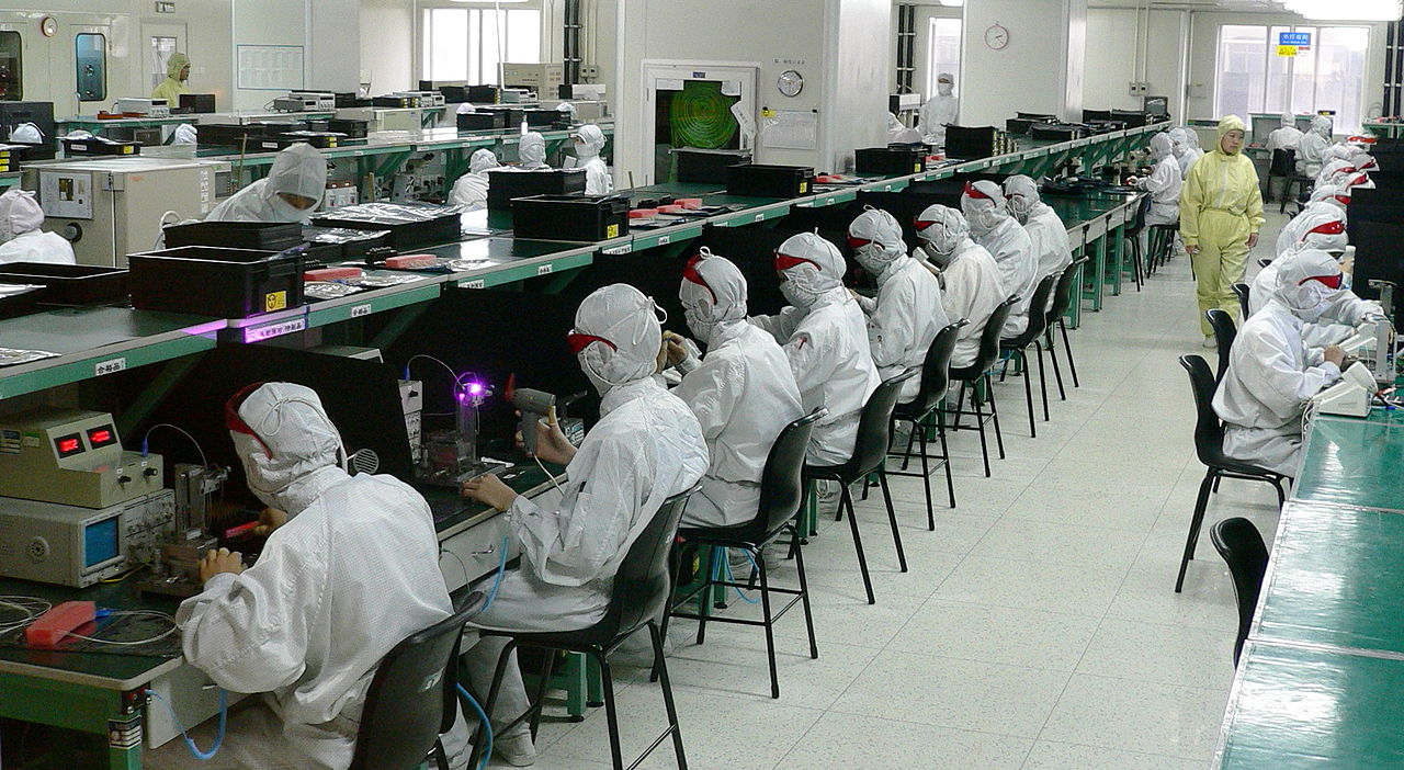 The Robots Replacing Foxconn Workers Story Is Less Sexy Than You Short Circuit Think Motherboard