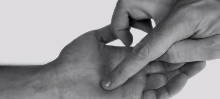 Touching Your Hand in a Certain Way Produces Specific Emotions, Study Says