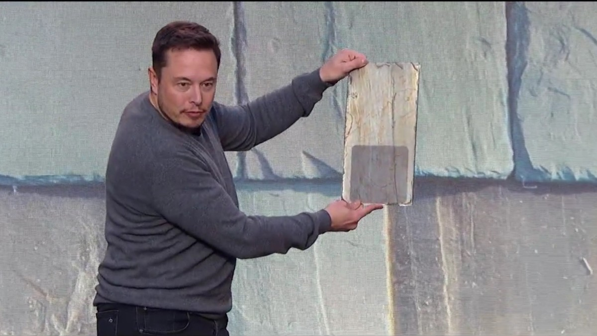 Tesla S Invisible Solar Panels Are A Big Deal To