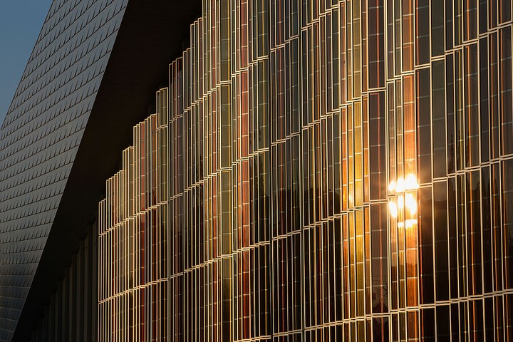 This Is Why Solar Windows Have Yet to Become Popular