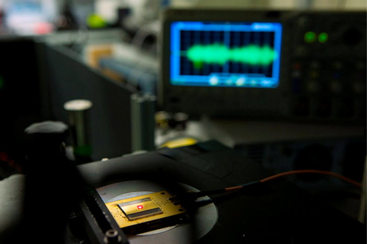 The Smallest Radio Receiver Ever Is Made from Imperfections in Diamonds