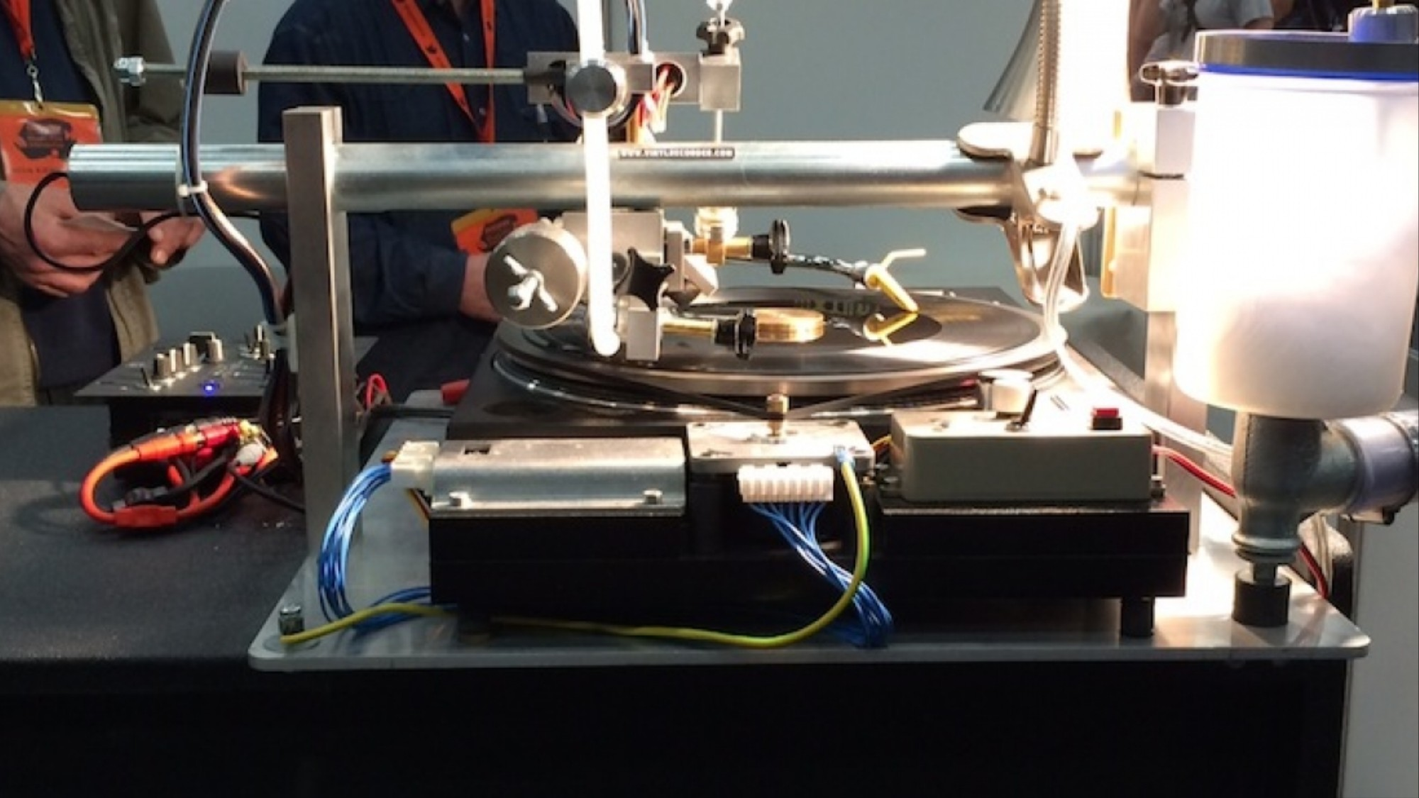 This Awesome DIY Machine Cuts Vinyl Records in Mere Minutes - VICE