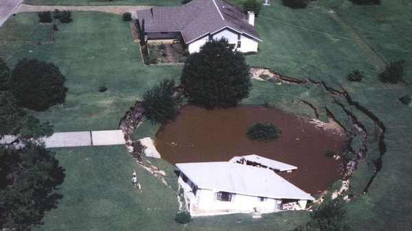 Florida's Sinkhole Problem Is Just One Part of America's Looming Water Woes