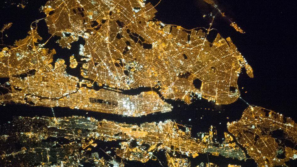 Hier wat bizar mooie nachtelijke NASA-foto's van wereldsteden
