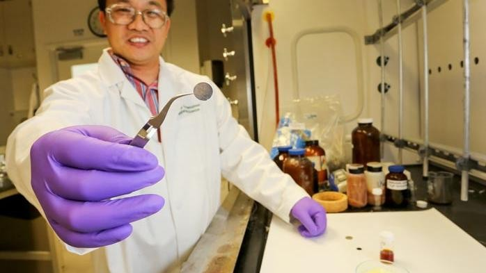 Sulfur Batteries Could Power Your Smartphone Four Times Longer