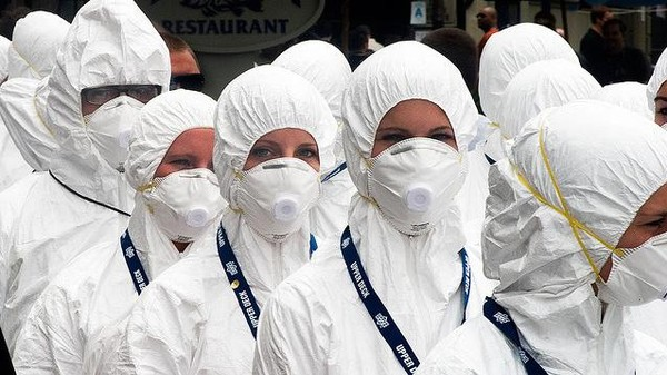 To Halt Infectious Diseases, Quarantine the Popular Kids