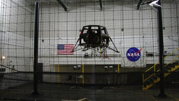 Using Drones to Simulate Landing Robots on the Moon