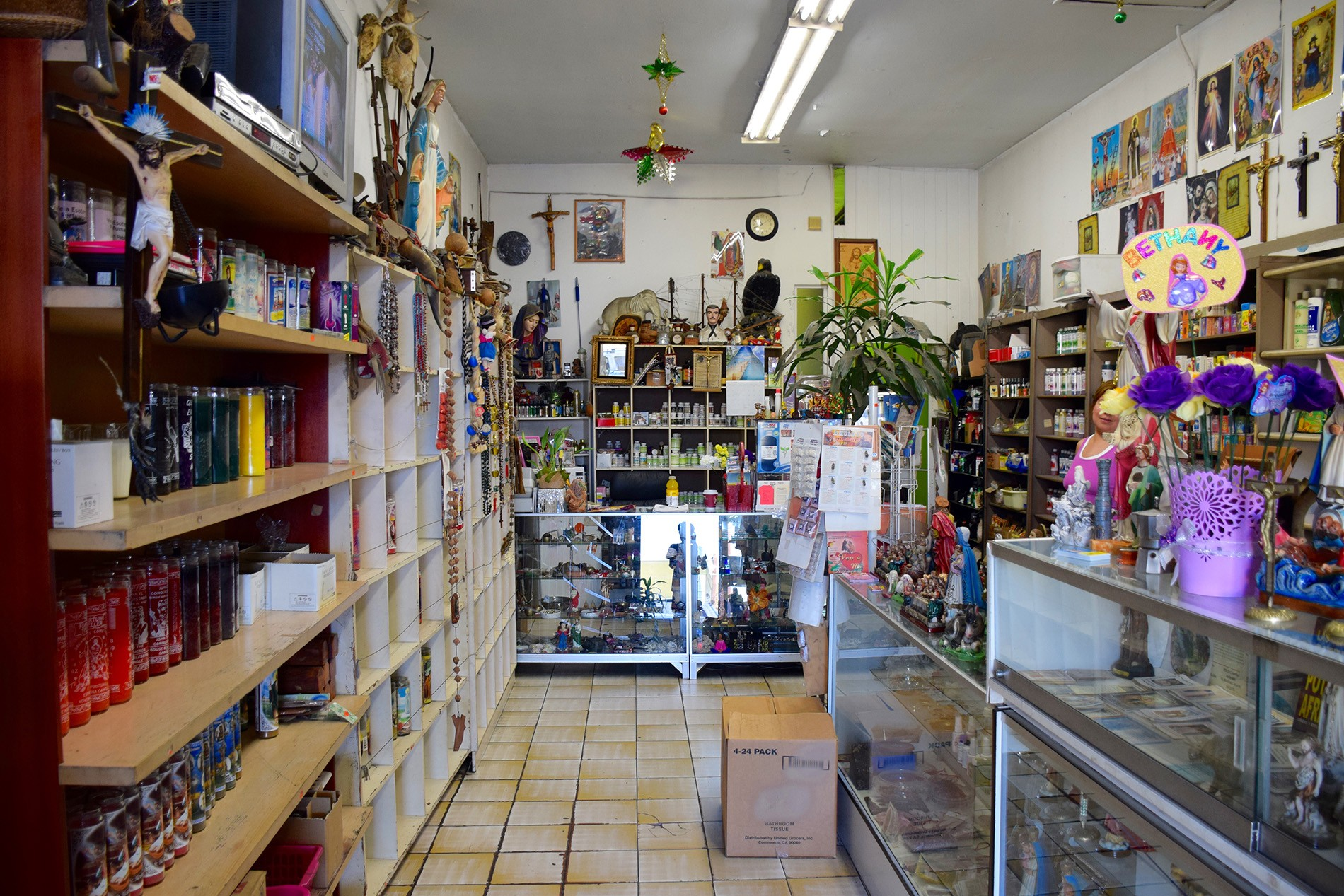Botanica_shop_in_Boyle_Heights