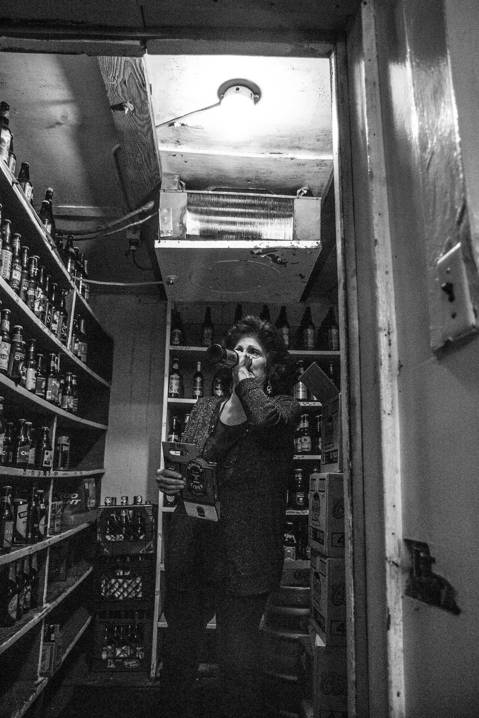 Jeannie-bartender-3