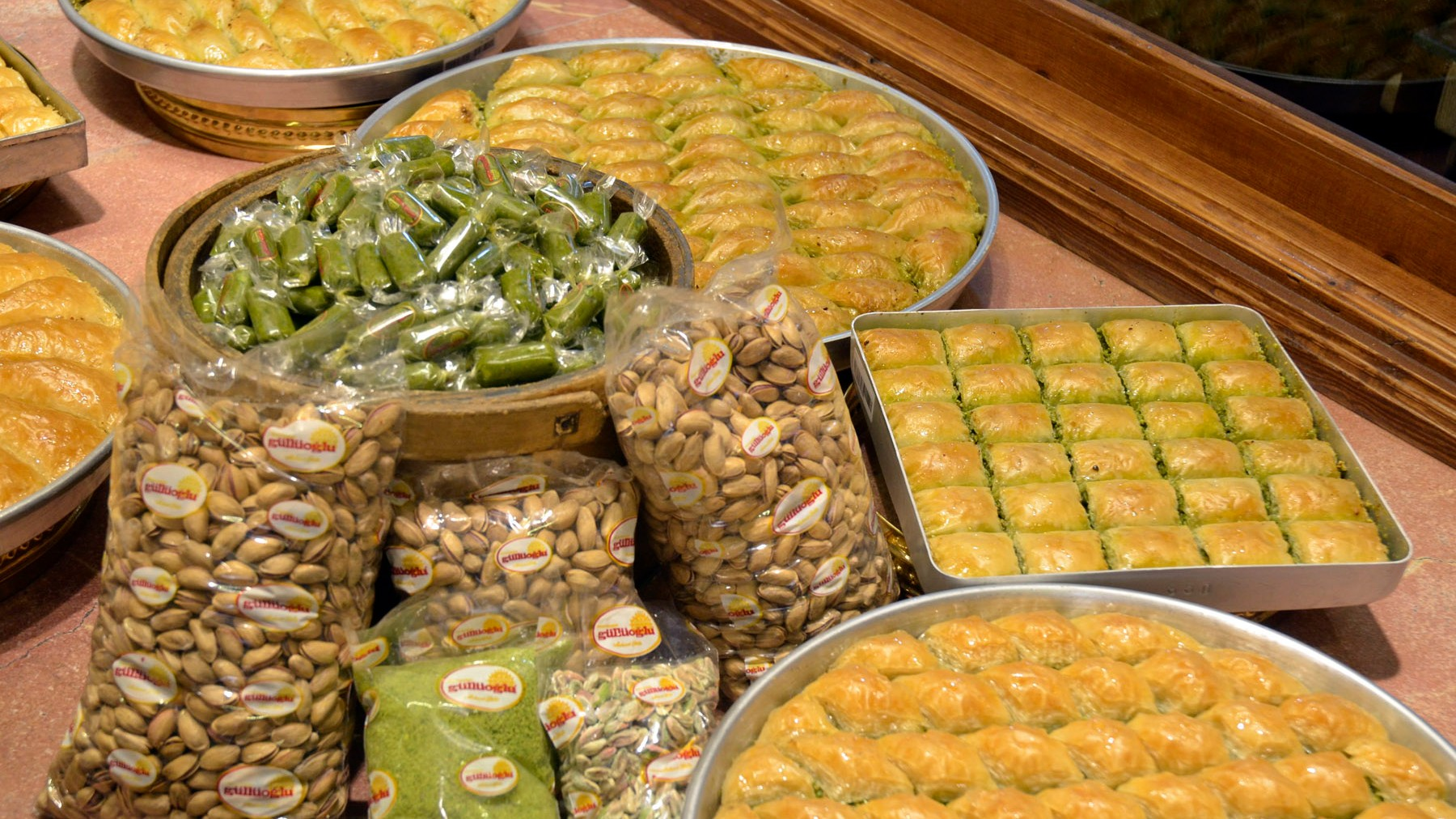 Wide assortment of baklava in Elmacı Pazarı Güllüoğlu Baklava