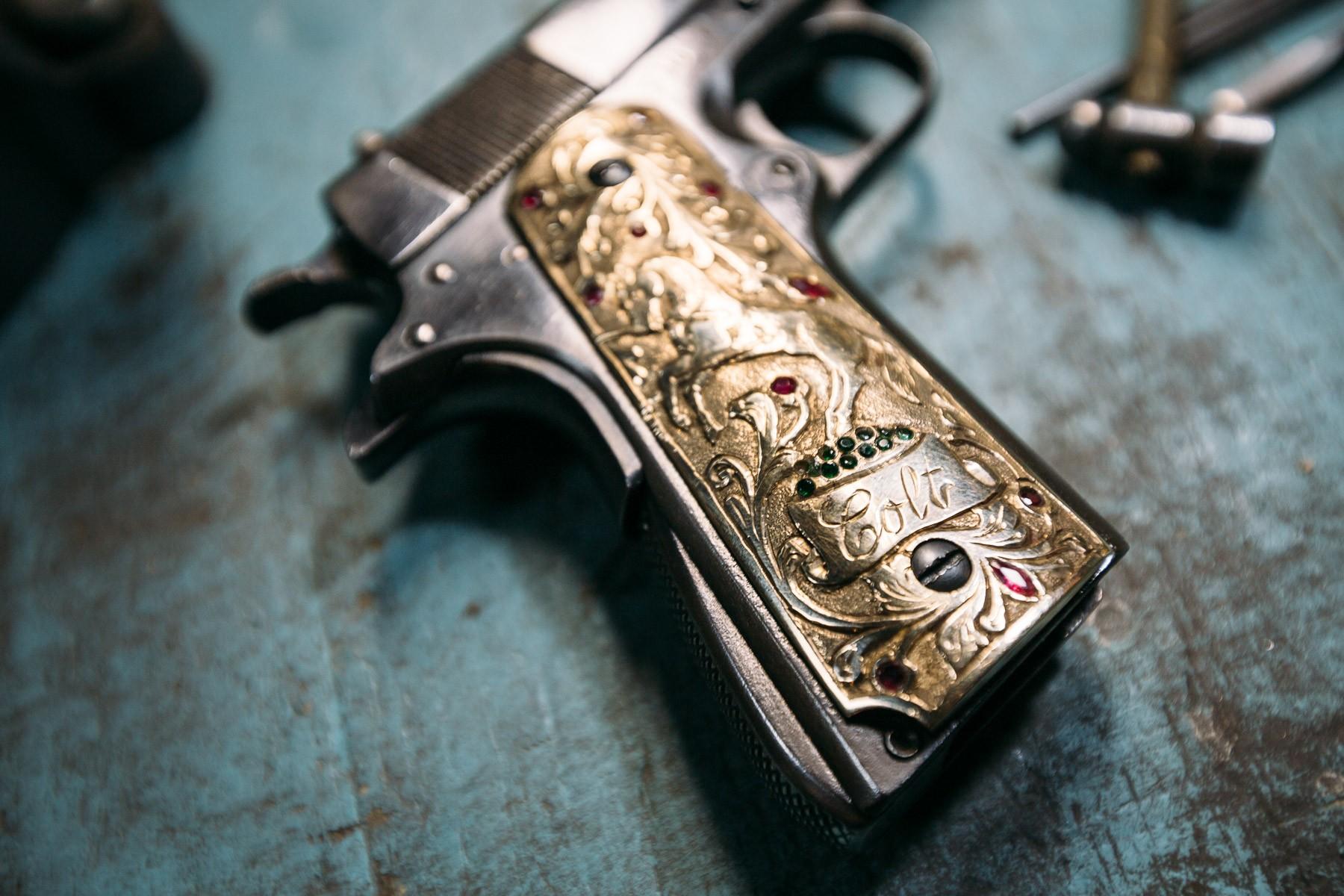 bedazzled-gun