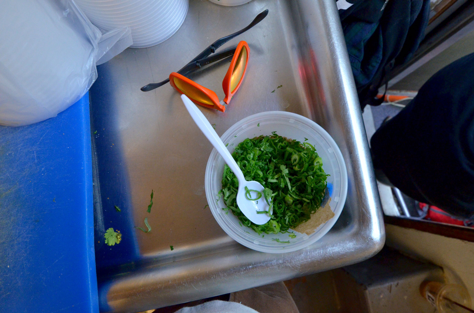 cilantro-chopped-up-in-container