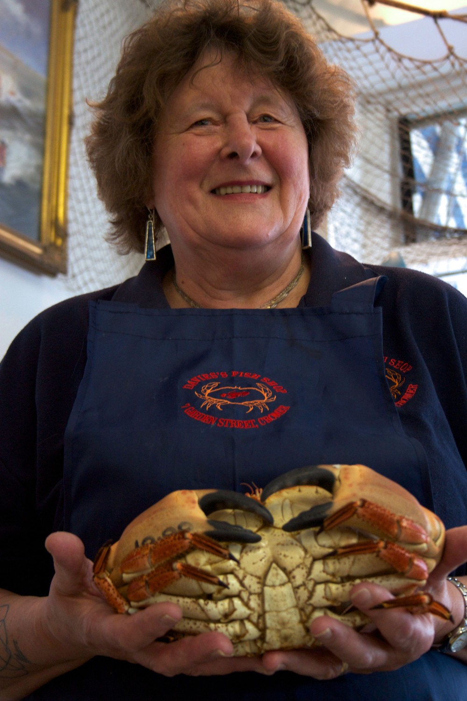 cromer-crab-fishing-family
