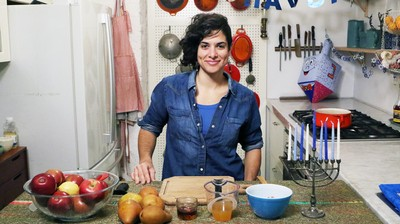 MUNCHIES Hanukkah Spectacular: How-To Make Applesauce with Liz Alpern