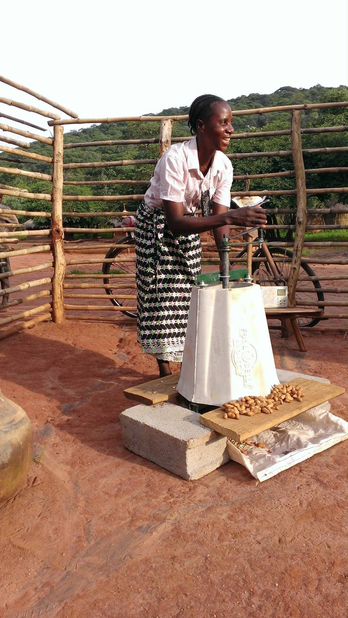 peanut-sheller-woman-using-zambia