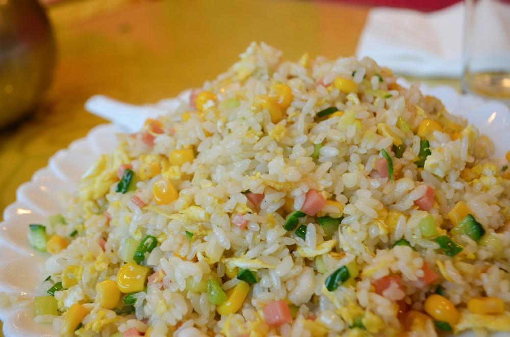 yangzhou-fried-rice-at-dongquanmen_24060993629_o