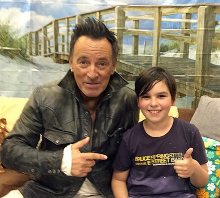 America's Dad Bruce Springsteen Wrote a Tardy Note for a Nine-Year-Old Fan After Late Show