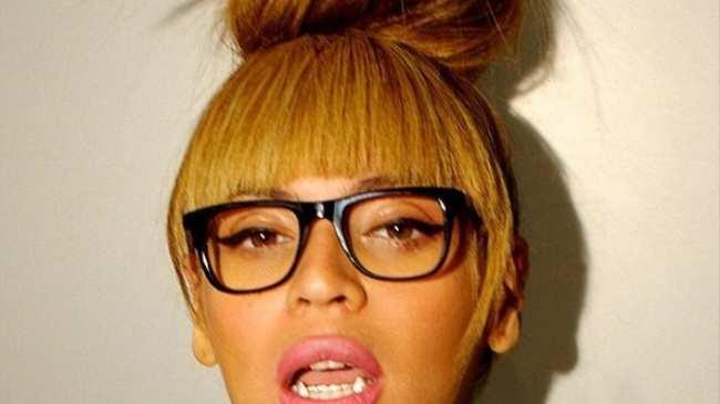 e6b273eb93 Beyoncé  From Tragique to Très Chic - Noisey