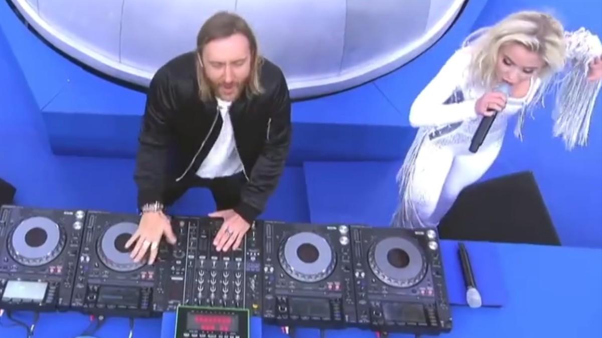 More Buttonsnatürlich Gibt Es Jetzt Auch Eine David Guetta