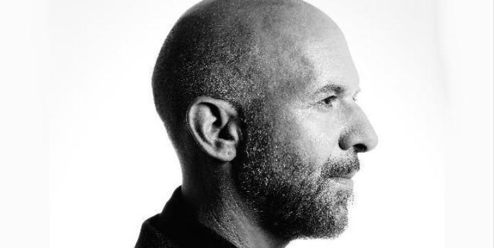 An Interview with Rock's Greatest Interviewer, Neil Strauss