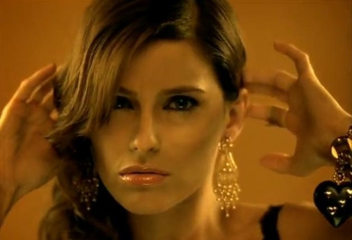 Promiscuous World: Ten Years Ago, Nelly Furtado's 'Loose' Ate Music Alive