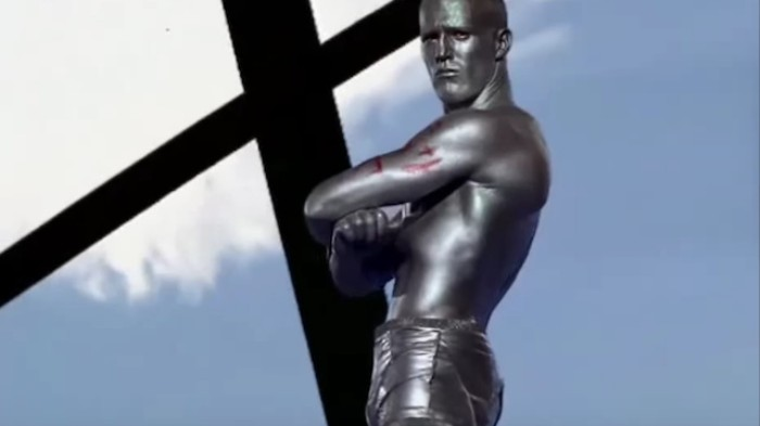 """A Reflection on How Jason Statham Was the Go-To """"Hot Bod"""" of 90s Music Videos"""