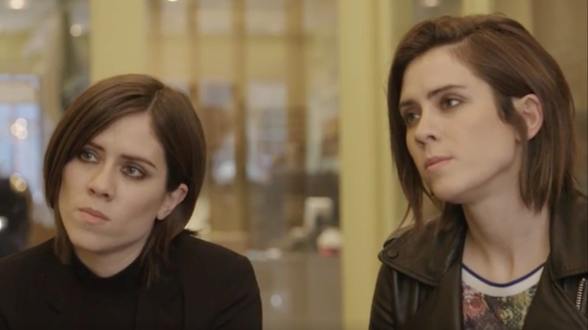 Daily Vice Tegan And Sara Talk Feelings In A Cat Cafe Noisey
