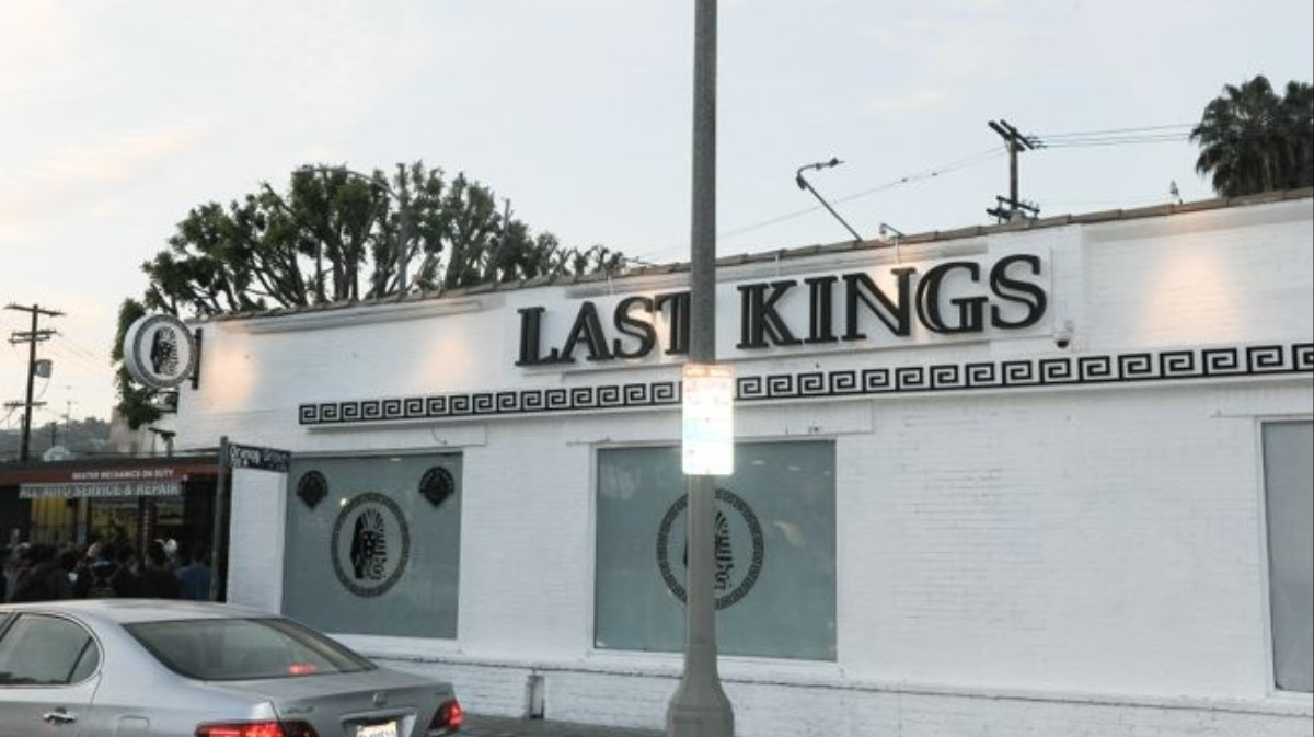 What stores sell last kings clothing