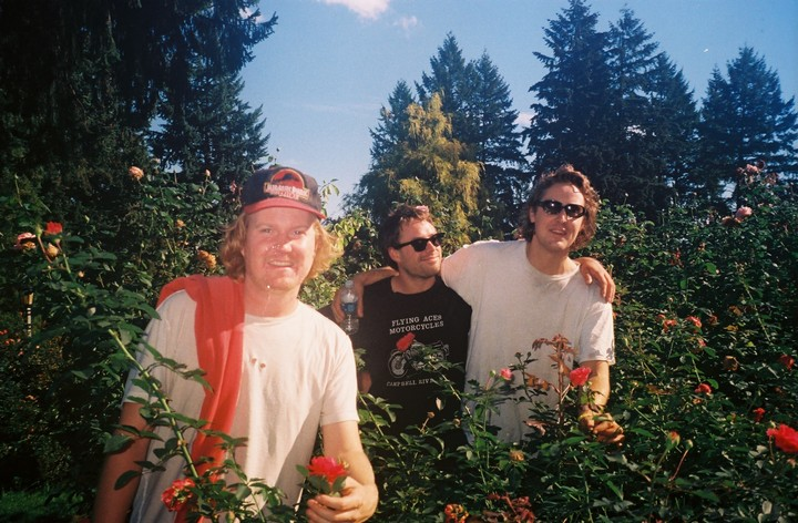 """PREMIERE: Stay Kvlt as Fvck On the Bvvch with Walter TV's """"Surf Metal"""""""