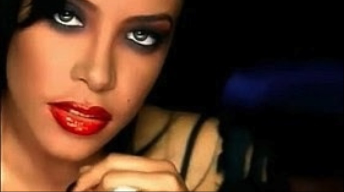 """What I Learned About Style From Aaliyah's """"We Need A Resolution"""""""