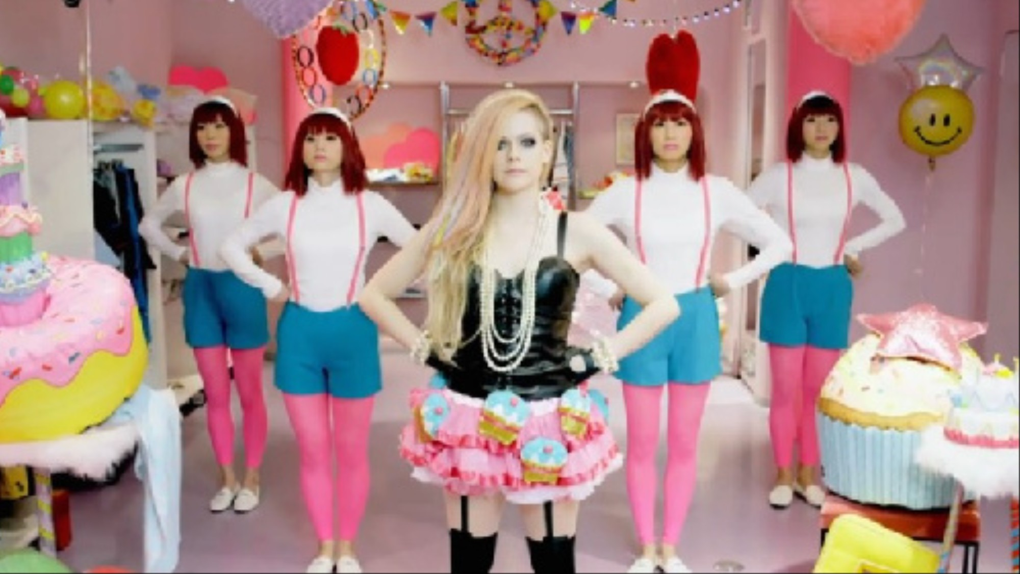 fbb7f8f95 What I Learned About Style from Avril Lavigne's