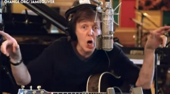 The Beatles Polska: Paul McCartney, Hugh Jackman i Ed Sheeran wspomagają rapującego Jamiego Olivera