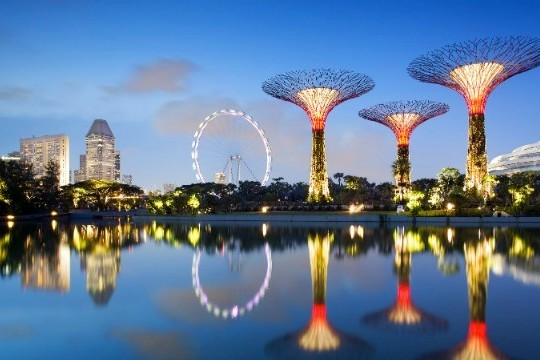 """Singapore's Gardens By The Bay Transform It Into A """"City In A Garden"""""""