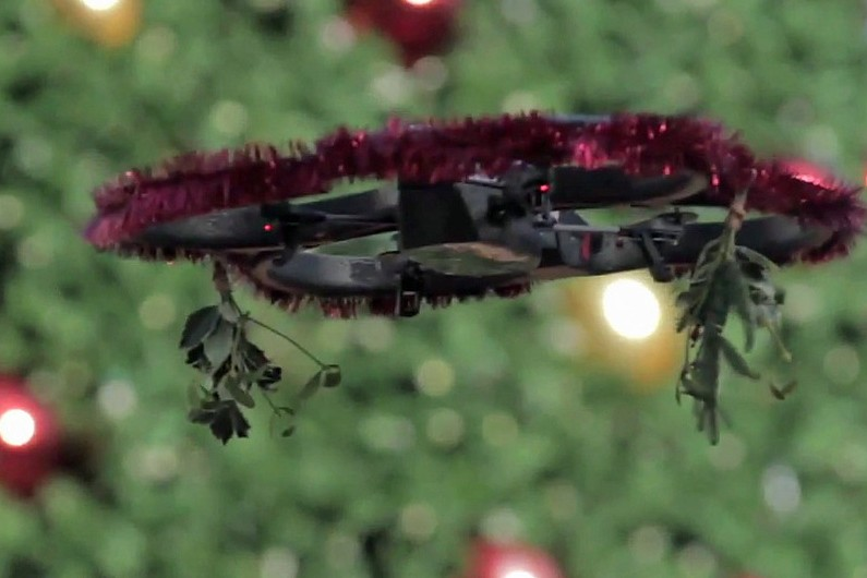 Mistletoe Drone Brings Couples Together in San Francisco