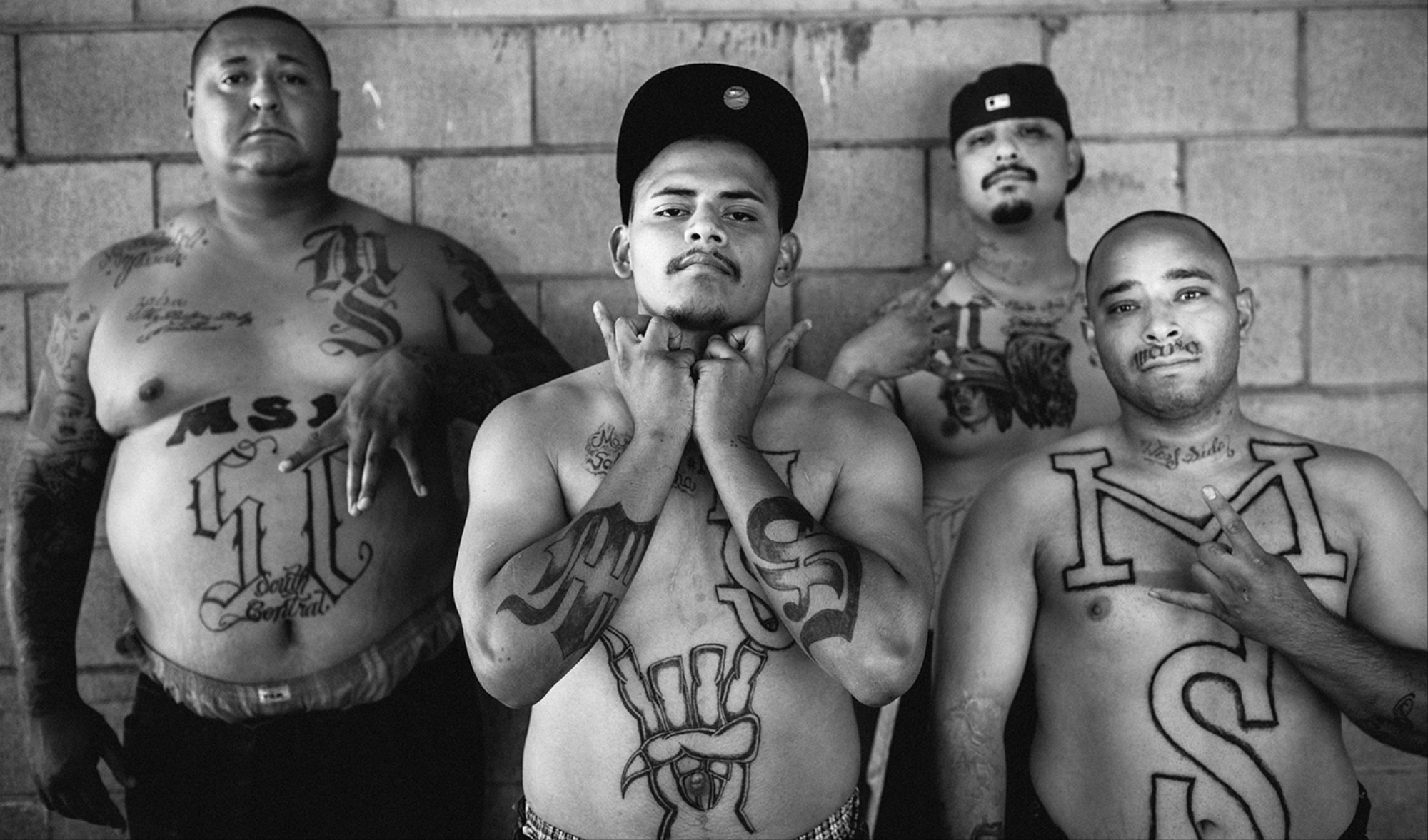 Photographing LA's Gang Wars - VICE