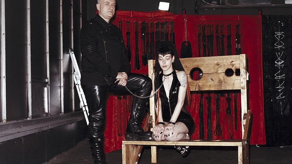 Dans le sordide des salons rotiques fran ais et belges vice - Salon erotique rennes ...