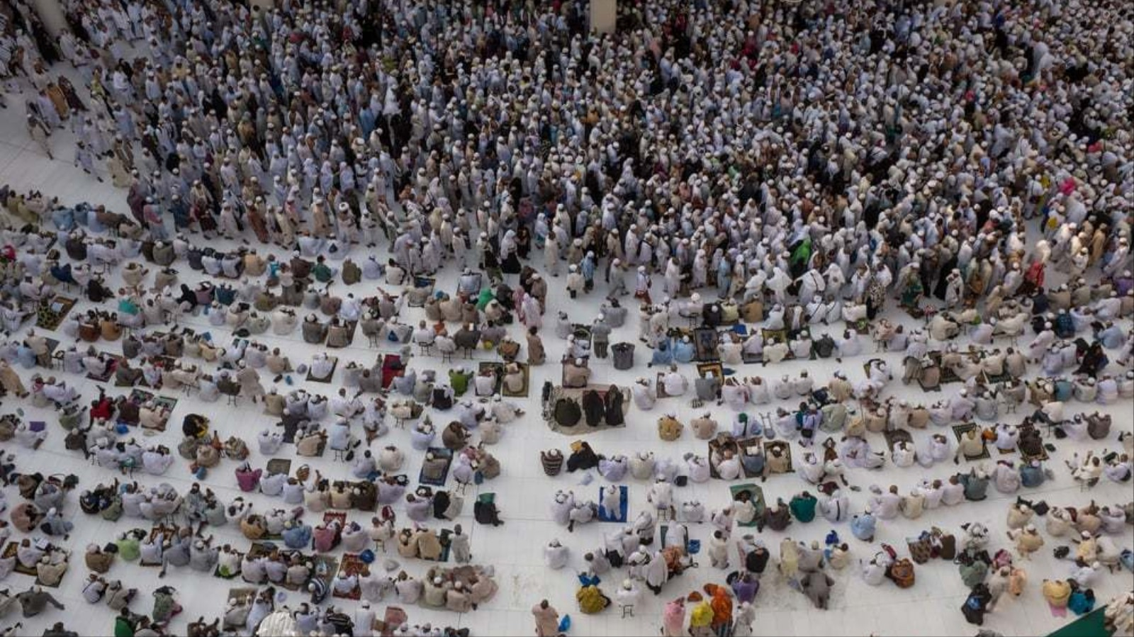 Intimate Photos from Mecca During One of the World's Largest Gatherings